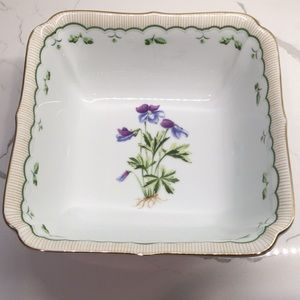 Other - Victorian Garden Bowl Georges Briard Collection